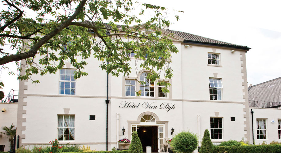 Win an overnight stay with breakfast and dinner at the 4* Hotel Van Dyk supporting image