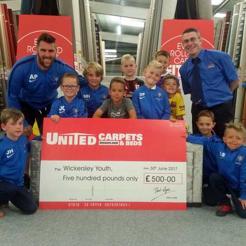United Carpets & Beds sponsor young footballers thumbnail