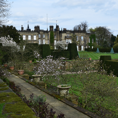 Discover the beauty of Renishaw Hall and Gardens  thumbnail